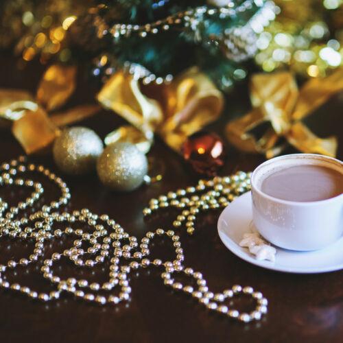 Karácsonyi dekor gyöngyfüzér - ezüst / arany színben - 3 m